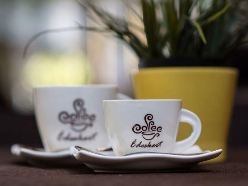 Egy finom kávé? Édeskert….